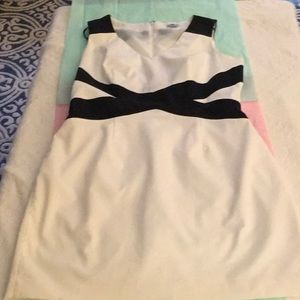 Worthington white dress with black cross